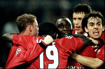 21 Apr 1999:  Manchester United celebrate Andy Cole's winner in the UEFA Champions League semi-final second leg match against Juventus at the Stadio delle Alpi in Turin, Italy. United won 3-2 on the night to go through 4-3 on aggregate. \ Mandatory Credit