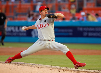 MIAMI GARDENS, FL - SEPTEMBER 02:  Roy Oswalt #44 of the Philadelphia Phillies pitches during a game against the Florida Marlins at Sun Life Stadium on September 2, 2011 in Miami Gardens, Florida.  (Photo by Mike Ehrmann/Getty Images)