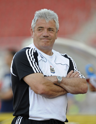 PALMA DE MALLORCA, SPAIN - AUGUST 01:  Newcastle United manager Kevin Keegan watches his side warm-up before the pre-season friendly match between Hertha Berlin and Newcastle United at the ONO stadium on August 1, 2008 in Palma de Mallorca, Spain.  (Photo