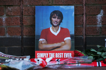 MANCHESTER, UNITED KINGDOM - NOVEMBER 25:  Tributes to George Best are laid outside Old Trafford on November 25, 2005 in Manchester, England. Ex-footballer George Best died today after several weeks of ill health at the age of 59. (Photo by Alex Livesey/G