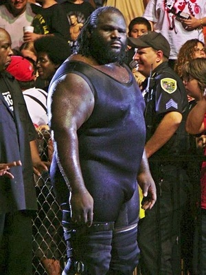 Mark Henry in 2007 shortly after returning from his knee injury (Photo by Mshake3 at Wikimedia Commons)
