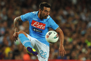 BARCELONA, SPAIN - AUGUST 22:  Ezequiel Ivan Lavezzi of SSC Napoli in action during the Joan Gamper Trophy match between FC Barcelona and SSC Napoli on August 22, 2011 in Barcelona, Spain.  (Photo by Valerio Pennicino/Getty Images)