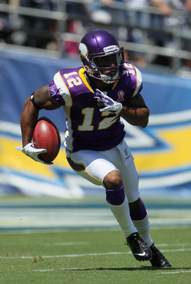 SAN DIEGO, CA - SEPTEMBER 11:  Percy Harvin #12 of the Minnesota Vikings runs a kick off return back for a touchdown in the first quarter against the San Diego Chargers at Qualcomm Stadium on September 11, 2011 in San Diego, California.  (Photo by Jeff Gr