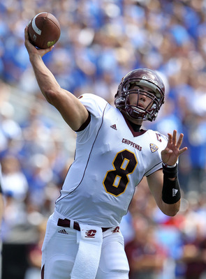LEXINGTON, KY - SEPTEMBER 10:  Ryan Radcliff #8 of the Central Michigan Chippewas throws a pass during the game against the Kentucky Wildcats  at Commonwealth Stadium on September 10, 2011 in Lexington, Kentucky.  (Photo by Andy Lyons/Getty Images)