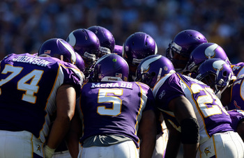 SAN DIEGO, CA - SEPTEMBER 11:  Donovan McNabb #5 of the Minnesota Vikings in the huddle with his teammates against the San Diego Chargers during their season-opening game on September 11, 2011 at Qualcomm Stadium in San DIego, California. (Photo by Donald
