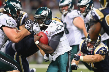ST. LOUIS - SEPTEMBER 11: Michael Vick #7 of the Philadelphia Eagles rushes against the St. Louis Rams at the Edward Jones Dome on September 11, 2011 in St. Louis, Missouri. The Eagles beat the Rams 31-13. (Photo by Dilip Vishwanat/Getty Images)