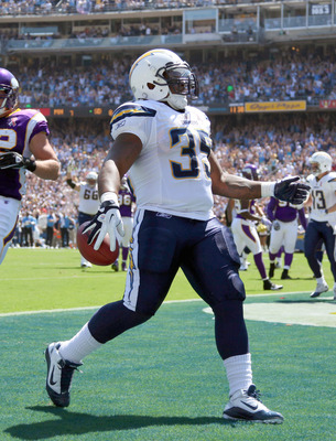 SAN DIEGO, CA - SEPTEMBER 11:   Runningback Mike Tolbert #35 of the San Diego Chargers makes a touchdown catch against the Minnesota Vikings during their season opener on September 11, 2011 at Qualcomm Stadium in San Diego, California. (Photo by Donald Mi