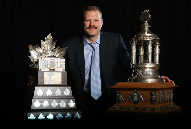 LAS VEGAS, NV - JUNE 22:  Tim Thomas of the Boston Bruins poses after winning both the Vezina Trophy and the Conn Smythe during the 2011 NHL Awards at The Pearl concert theater at the Palms Casino Resort June 22, 2011 in Las Vegas, Nevada.  (Photo by Jeff
