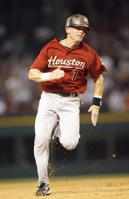 ARLINGTON, TX - JUNE 24: Craig Biggio #7 of the Houston Astros runs to third base against the Texas Rangers at the Rangers Ballpark on June 24, 2007 in Arlington, Texas. (Photo by Layne Murdoch/Getty Images)
