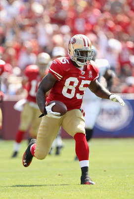 SAN FRANCISCO, CA - SEPTEMBER 11:  Vernon Davis #85 of the San Francisco 49ers in action during their season opener against the Seattle Seahawks at Candlestick Park on September 11, 2011 in San Francisco, California.  (Photo by Ezra Shaw/Getty Images)
