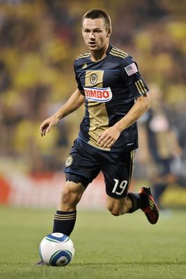 COLUMBUS, OH - AUGUST 20:  Jack McInerney #19 of the Philadelphia Union controls the ball against the Columbus Crew on August 20, 2011 at Crew Stadium in Columbus, Ohio.   (Photo by Jamie Sabau/Getty Images)