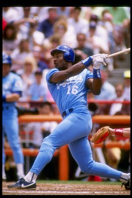 1989:  Bo Jackson of the Kansas City Royals in action during a game at Royals Stadium in Kansas City, Missouri.  Mandatory Credit: Tim de Frisco  /Allsport