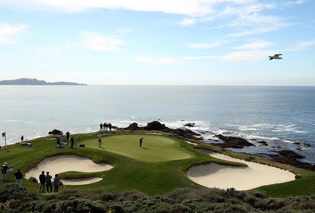 PEBBLE BEACH, CA - FEBRUARY 13:  Jimmy Walker putts on the 7th hole during the final round of the AT&T Pebble Beach National Pro-Am at the Pebble Beach Golf Links on February 13, 2011 in Pebble Beach, California.  (Photo by Ezra Shaw/Getty Images)