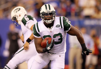 EAST RUTHERFORD, NJ - AUGUST 29:  Shonn Greene #23 of the New York Jets runs the ball against the New York Giants during their pre season game on August 29, 2011 at MetLife Stadium in East Rutherford, New Jersey.  (Photo by Jim McIsaac/Getty Images)