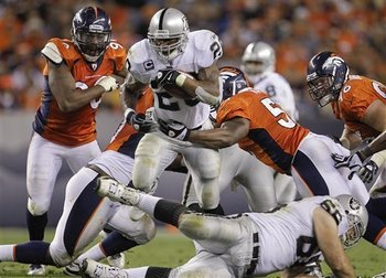 Raiders_broncos_football_90207_team_display_image