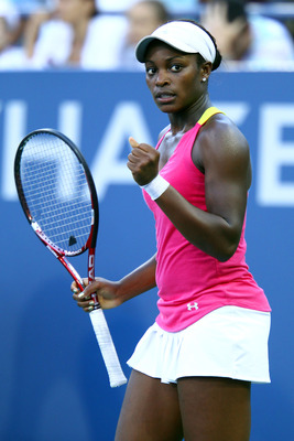 NEW YORK, NY - SEPTEMBER 01:  Sloane Stephens of the United States celebrates a point against Shahar Peer of Israel during Day Four of the 2011 US Open at the USTA Billie Jean King National Tennis Center on September 1, 2011 in the Flushing neighborhood o