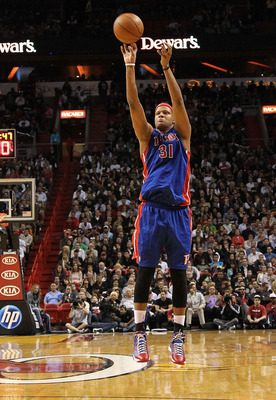 MIAMI, FL - JANUARY 28:  Charlie Villanueva #31 of of the Detroit Pistons shoots a jump shot during a game against the Miami Heat at American Airlines Arena on January 28, 2011 in Miami, Florida. NOTE TO USER: User expressly acknowledges and agrees that,
