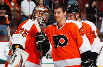 Wellwood looks to join Bobs (left) and Giroux (right) as successful Flyers rookies.
