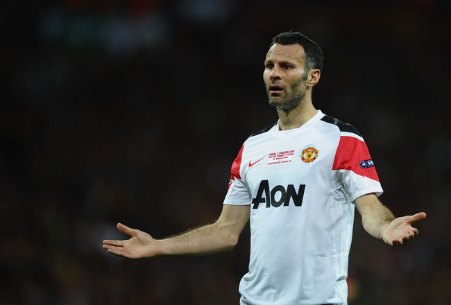 LONDON, ENGLAND - MAY 28:  Ryan Giggs of Manchester United reacts during the UEFA Champions League final between FC Barcelona and Manchester United FC at Wembley Stadium on May 28, 2011 in London, England.  (Photo by Laurence Griffiths/Getty Images)