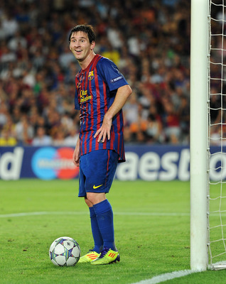 BARCELONA, SPAIN - SEPTEMBER 13:  Lionel Messi of FC Barcelona reacts to off side during the UEFA Champions League group H match between FC Barcelona and AC Milan at the Camp Nou stadium on September 13, 2011 in Barcelona, Spain.  (Photo by Jasper Juinen/