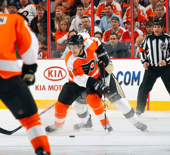 PHILADELPHIA, PA - MARCH 24:  Danny Briere #48 of the Philadelphia Flyers skates with the puck during a game against the Pittsburgh Penguins on March 24, 2011 at the Wells Fargo Center in Philadelphia, Pennsylvania.  (Photo by Lou Capozzola/Getty Images)