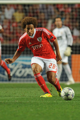 LISBON, PORTUGAL - AUGUST 24:  Axel Witsel of SL Benfica in action during the UEFA Champions League play-off second leg match between SL Benfica and FC Twente at Estadio da Luz on August 24, 2011 in Lisbon, Portugal.  (Photo by Valerio Pennicino/Getty Ima
