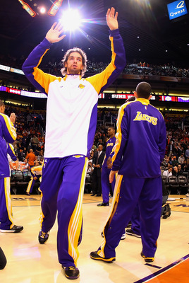 PHOENIX - DECEMBER 28:  Pau Gasol #16 of the Los Angeles Lakers is introduced before the NBA game against the Phoenix Suns at US Airways Center on December 28, 2009 in Phoenix, Arizona. The Suns defeated the Lakers 118-103. NOTE TO USER: User expressly ac