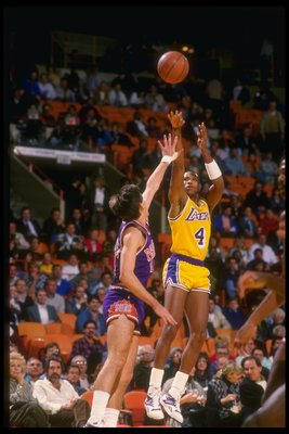 Dec 1987:  Guard Byron Scott of the Los Angeles Lakers takes a shot during a game. Mandatory Credit: Mike Powell  /Allsport Mandatory Credit: Mike Powell  /Allsport