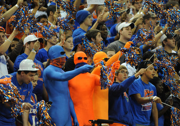 GAINESVILLE, FL - NOVEMBER 16: Fans of the Florida Gators cheer play against the Ohio State Buckeyes November 16, 2010 at the Stephen C. O'Connell Center in Gainesville, Florida.  (Photo by Al Messerschmidt/Getty Images)