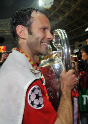 MOSCOW - MAY 21: Ryan Giggs of Manchester United holds the trophy after the UEFA Champions League Final match between Manchester United and Chelsea at the Luzhniki Stadium on May 21, 2008 in Moscow, Russia.  (Photo by Shaun Botterill/Getty Images)