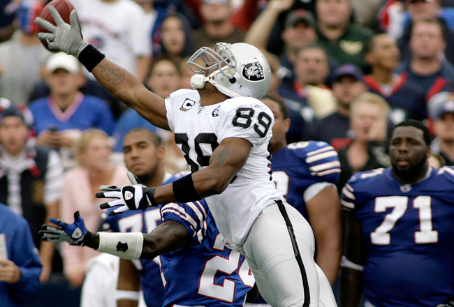 ORCHARD PARK, NY - SEPTEMBER 21: Ronald Curry #89 of the Oakland Raiders can't reach a pass over Terrence McGee #24 of the Buffalo Bills  on September 21, 2008 at Ralph Wilson Stadium in Orchard Park, New York. Buffalo won 24-23. (Photo by Rick Stewart/Ge