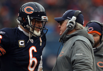 CHICAGO, IL - JANUARY 16:  Quarterback Jay Cutler #6 of the Chicago Bears talks with offensive coordinator Mike Martz against the Seattle Seahawks in the 2011 NFC divisional playoff game at Soldier Field on January 16, 2011 in Chicago, Illinois.  (Photo b