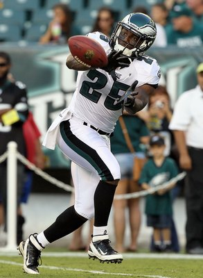 PHILADELPHIA, PA - AUGUST 11:  Jarrad Page #25 of the Philadelphia Eagles warms up before playing against the Baltimore Ravens during their pre season game on August 11, 2011 at Lincoln Financial Field in Philadelphia, Pennsylvania.  (Photo by Jim McIsaac