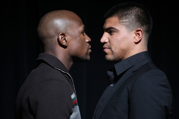 NEW YORK, NY - JUNE 28:  Floyd Mayweather and Victor Ortiz face off at a press conference about their upcoming fight on June 28, 2011 at the Hudson Theatre in New York City.  (Photo by Daniel Barry/Getty Images)
