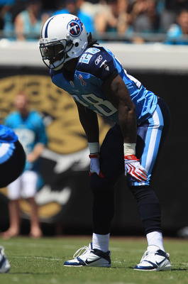 JACKSONVILLE, FL - SEPTEMBER 11:  Chris Johnson #28 of the Tennessee Titans against the Jacksonville Jaguars during their game at EverBank Field on September 11, 2011 in Jacksonville, Florida.  (Photo by Streeter Lecka/Getty Images)