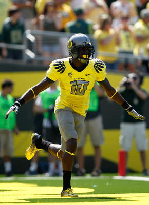 EUGENE, OR - SEPTEMBER 10:  Rahsaan Vaughn #10 of the Oregon Ducks celebrates a touchdown against the Nevada Wolf Pack on September 10, 2011 at the Autzen Stadium in Eugene, Oregon.  (Photo by Jonathan Ferrey/Getty Images)