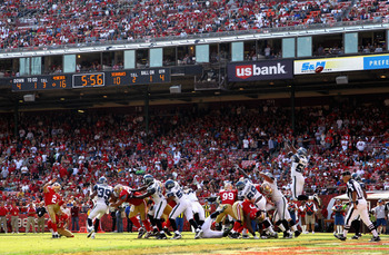 SAN FRANCISCO, CA - SEPTEMBER 11:  David Akers #2 of the San Francisco 49ers kicks a field goal against the Seattle Seahawks during their season opener at Candlestick Park on September 11, 2011 in San Francisco, California.  (Photo by Ezra Shaw/Getty Imag