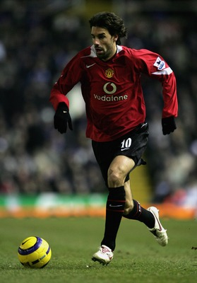 BIRMINGHAM, UNITED KINGDOM - DECEMBER 28:  Ruud Van Nistelrooy of Manchester United in action during the Barclays Premiership match between Birmingham City and Manchester United at St. Andrew's on December 28, 2005 in Birmingham, England.  (Photo by Richa
