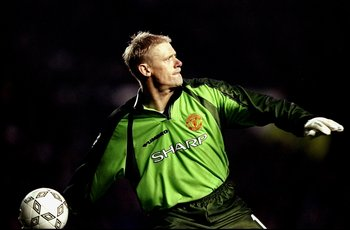 3 Mar 1999:  Peter Schmeichel of Manchester United throws the ball out during the UEFA Champions League quarter-final first leg match against Inter Milan at Old Trafford in Manchester, England. United won 2-0. \ Mandatory Credit: Ben Radford /Allsport