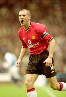 18 Nov 2000:  Roy Keane of Manchester United in action during the FA Carling Premier League match against Manchester City played at Maine Road in Manchester, England. United won the game 1-0. \ Mandatory Credit: Shaun Botterill /Allsport