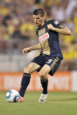 COLUMBUS, OH - AUGUST 20:  Sebastien Le Toux #9 of the Philadelphia Union controls the ball against the Columbus Crew on August 20, 2011 at Crew Stadium in Columbus, Ohio.   (Photo by Jamie Sabau/Getty Images)