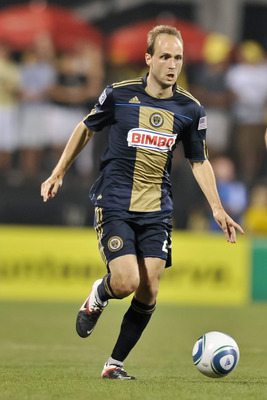 COLUMBUS, OH - AUGUST 20:  Justin Mapp #22 of the Philadelphia Union controls the ball against the Columbus Crew on August 20, 2011 at Crew Stadium in Columbus, Ohio.   (Photo by Jamie Sabau/Getty Images)