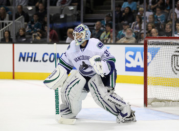 SAN JOSE, CA - SEPTEMBER 29:  Cory Schneider #35 of the Vancouver Canucks in action against the San Jose Sharks at HP Pavilion on September 29, 2011 in San Jose, California.  (Photo by Ezra Shaw/Getty Images)