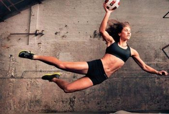 Hope-solo-alex-morgan-25_display_image