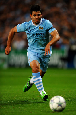 MANCHESTER, ENGLAND - SEPTEMBER 14:  Sergio Aguero of Manchester City in action during the UEFA Champions League Group A match between Manchester City and SSC Napoli at the Etihad Stadium on September 14, 2011 in Manchester, England.  (Photo by Laurence G