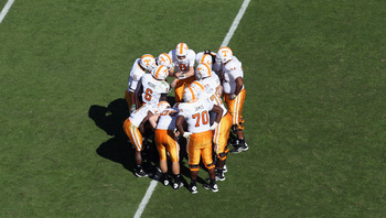 COLUMBIA, SC - OCTOBER 30:  Tyler Bray #8 of the Tennessee Volunteers huddles with his team against the South Carolina Gamecocks during their game at Williams-Brice Stadium on October 30, 2010 in Columbia, South Carolina.  (Photo by Streeter Lecka/Getty I