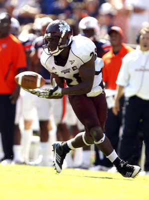 AUBURN, AL - SEPTEMBER 10:  Running back Vick Ballard #28 of the Mississippi State Bulldogs catches a pass for a first down against the Auburn Tigers in the on September 10, 2011 at Jordan-Hare Stadium in Auburn, Alabama. (Photo by Butch Dill/Getty Images