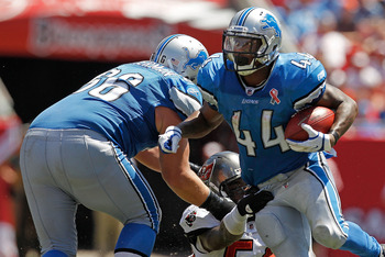 TAMPA, FL - SEPTEMBER 11:  Jahvid Best #44 of the Detroit Lions rushes during the season opener against the Tampa Bay Buccaneers at Raymond James Stadium on September 11, 2011 in Tampa, Florida.  (Photo by Mike Ehrmann/Getty Images)
