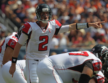 CHICAGO, IL - SEPTEMBER 11: Matt Ryan #2 of the Atlanta Falcons points out the Chicago Bear defense before taking the snap at Soldier Field on September 11, 2011 in Chicago, Illinois. (Photo by Jonathan Daniel/Getty Images)