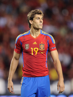 LOGRONO, SPAIN - SEPTEMBER 06: Fernando LLorente of Spain looks on during the EURO 2012 Qualifier match between Spain and Liechtenstein at estadio Las Gaunas on September 6, 2011 in Logrono, Spain.  (Photo by Denis Doyle/Getty Images)